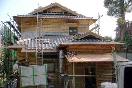 「生まれ変わった和の家」手刻みの木造の躯体と屋根