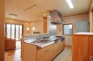 「3階建ての光が入る家」キッチン
