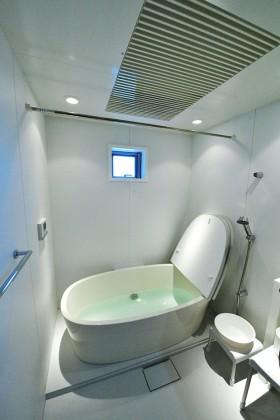 「緑と和の広い家」浴室